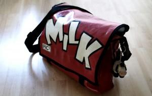Als Wickeltasche zweckentfremdete Schultasche
