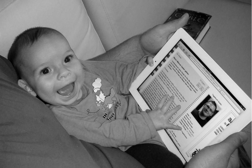 Unser Sohn konnte schon sehr früh einen Tablet-PC bedienen...
