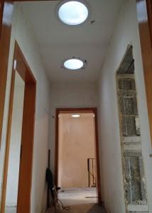 Die neuen Velux-Lichtspots im Flur