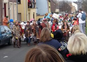 Karnevalszug der Grundschule in Grimlinghausen