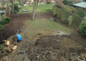 Vorbereitungen für das Aussähen des Rasens