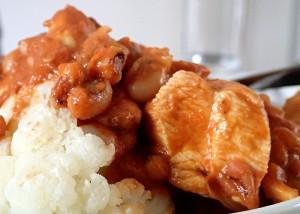 Hühnerbrust mit schwarzen Augenbohnen, indisch, glutenfrei