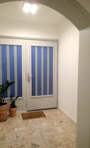 Haustüre von Innen, nach der Überarbeitung