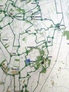 Ausschnitt einer holländischen Knotenpunkt-Karte am Wegesrand