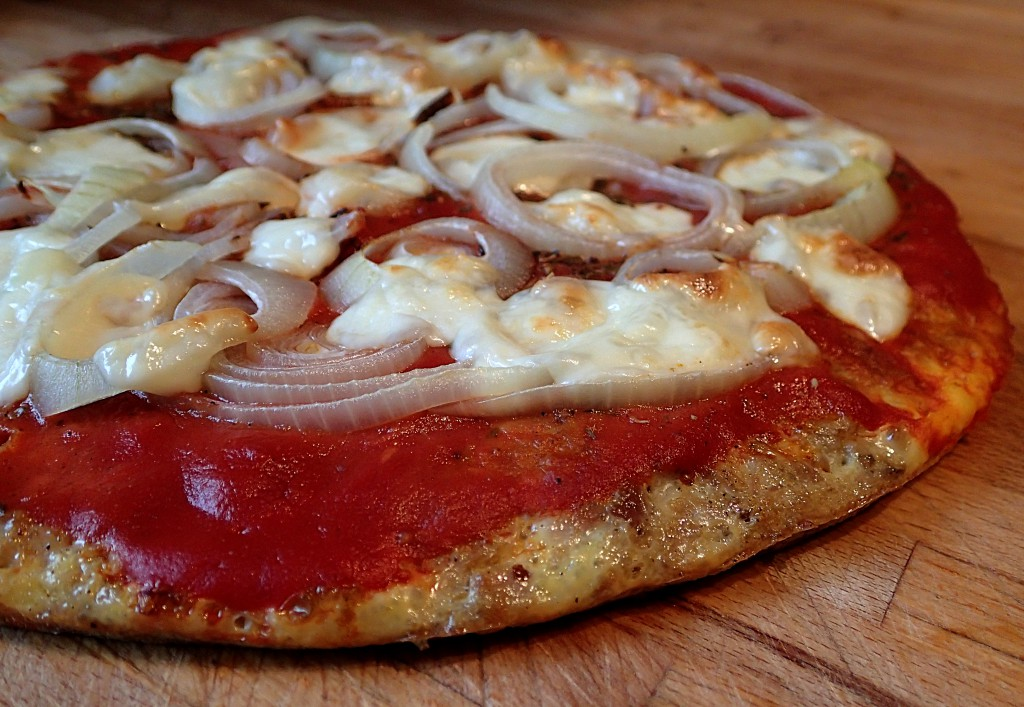 Pizza aus Thunfisch, glutenfrei, Low-Carb