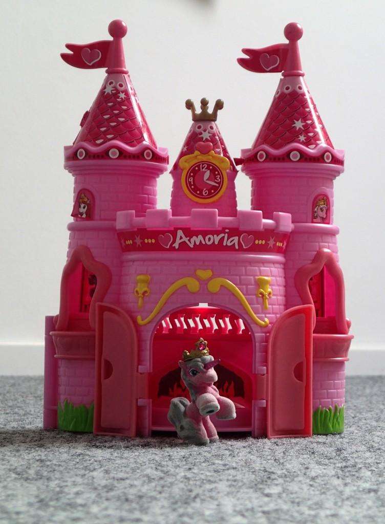 Unser Sohn kaufte ein Filly Amoria Schloss auf dem Trödelmarkt.