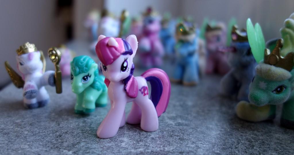 Einhörner, Ponys, Arihörner und Pegasusse
