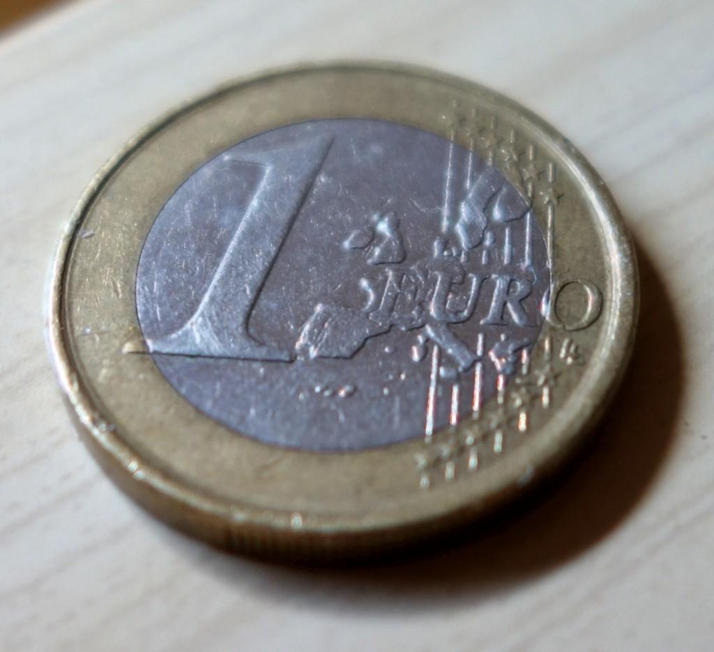 Ein Euro-Kohlestift