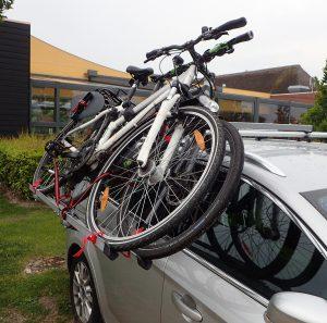 Beladen von der Seite: Dachlift für Fahrräder, Fahrradträger