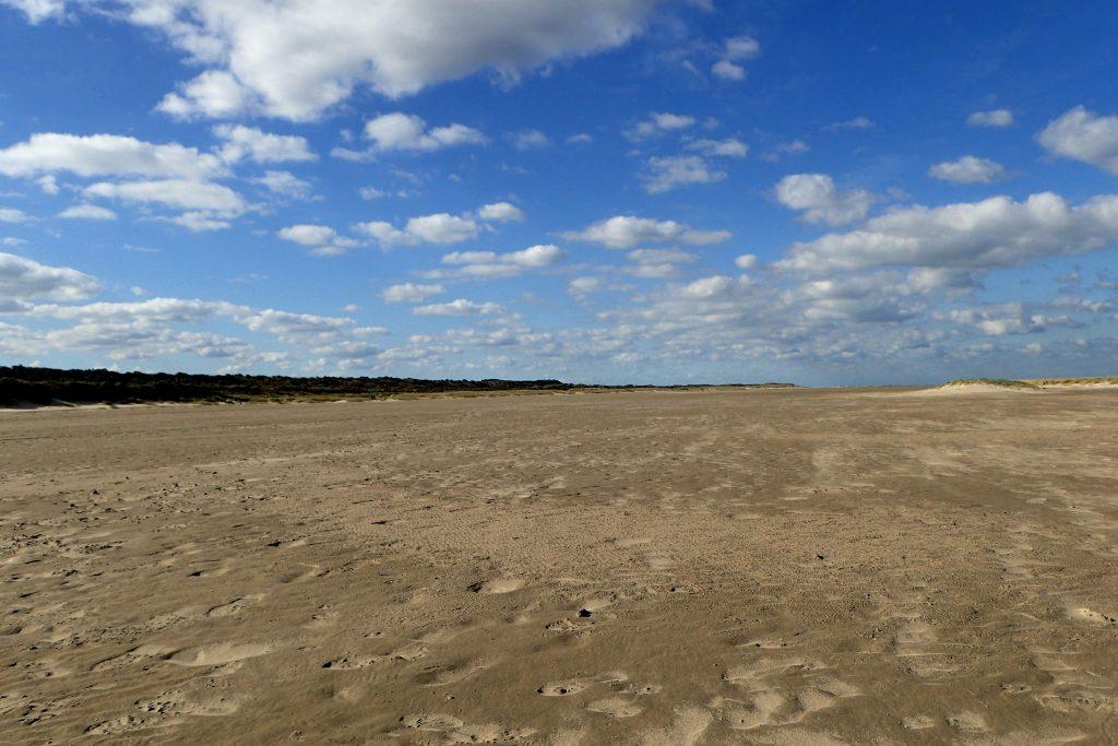 Der Strand bei Renesse war im Herbst total überlaufen.